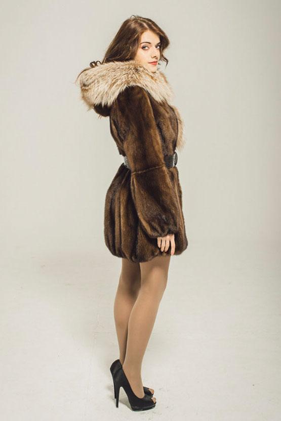 Норковая куртка в цвете орех, шуба из меха норки с капюшоном, норковая шуба с капюшоном из лисы.
