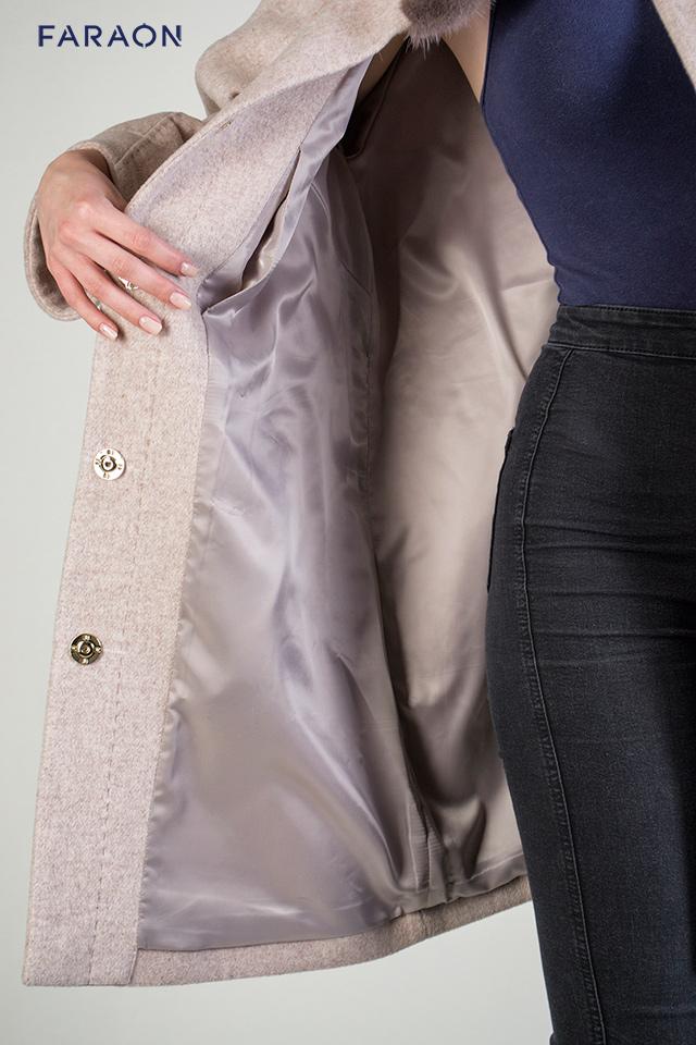 Підкладка пальто з оздобленням хутром норки