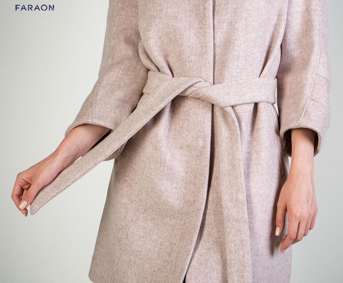 Демисезонное стильное пальто под пояс рукав короткий