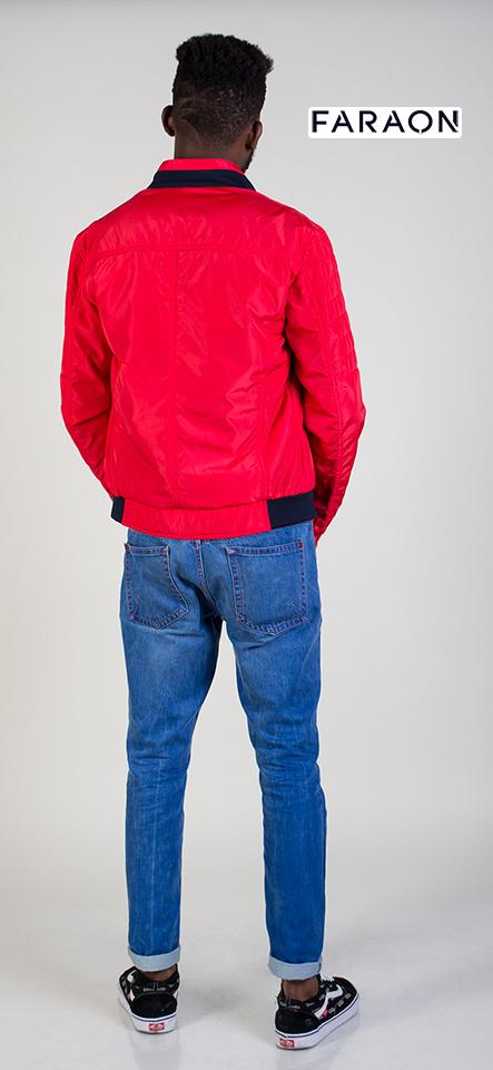 Ветровка мужская осенняя воротник стойка под резинку красного цвета