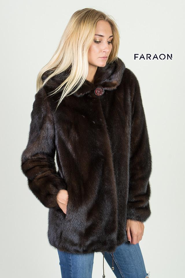 Норковая куртка с капюшоном, шуба из меха норки - автоледи, норковая  шуба длиною 75 см с капюшоном и вертикальными пластинами.
