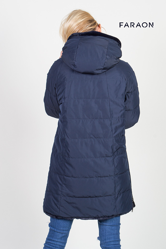 Пуховик женский зимний  с капюшоном синего цвета двухсторонний