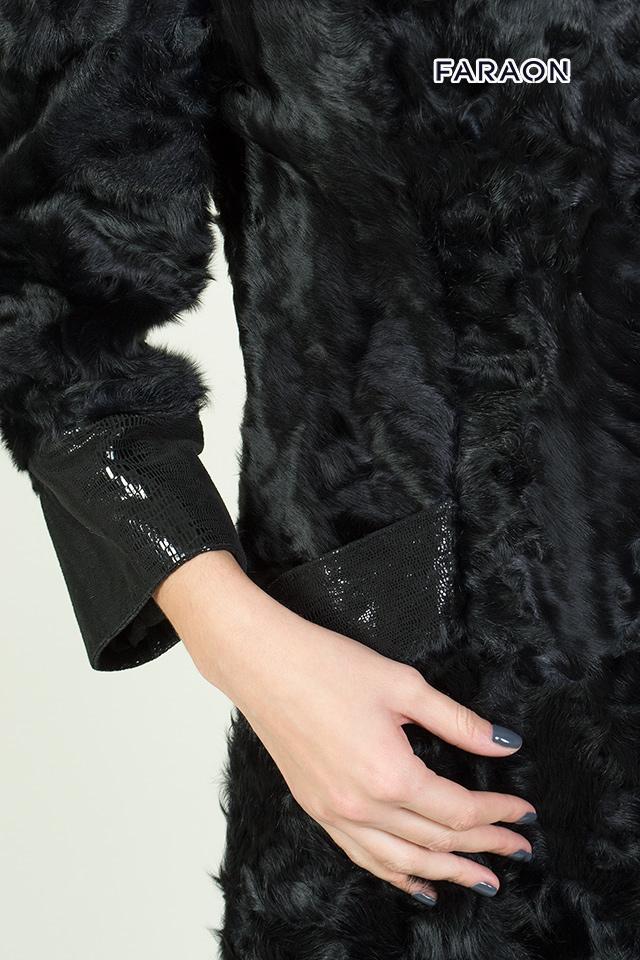 Женское пальто с меха каракуля чёрного цвета рукав укороченный