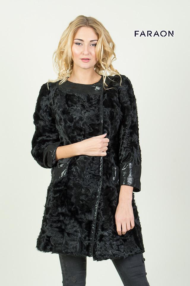 Пальто меховое женское с каракуля чёрного цвета рукав укороченный