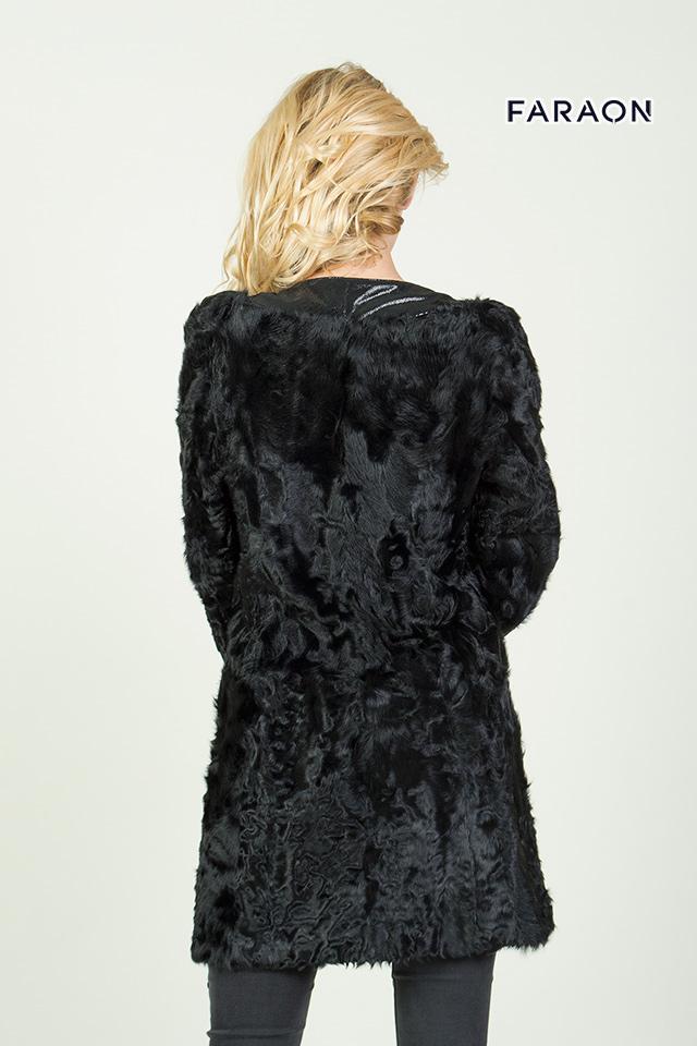 Меховое женское пальто с каракуля чёрного цвета рукав укороченный