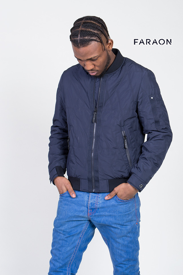 Куртка мужская, бомбер, демисезонная, синего цвета, воротник стройка, трикотажный