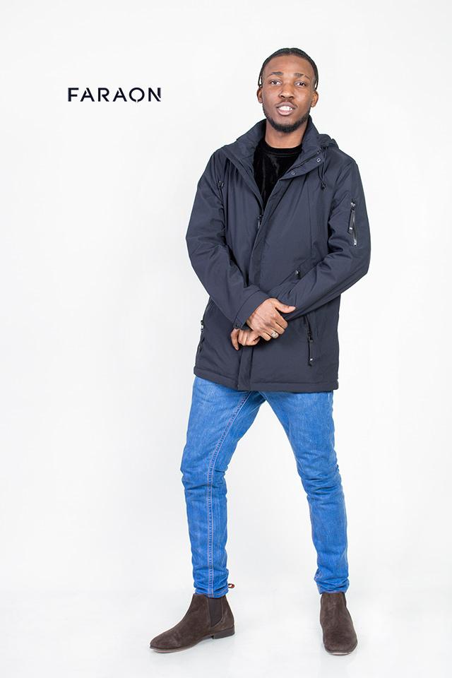 Мужская демисезонная курточка,курточка темно-синнего цвета, курточка с капюшоном, курточка прямая, теплая,легкая.