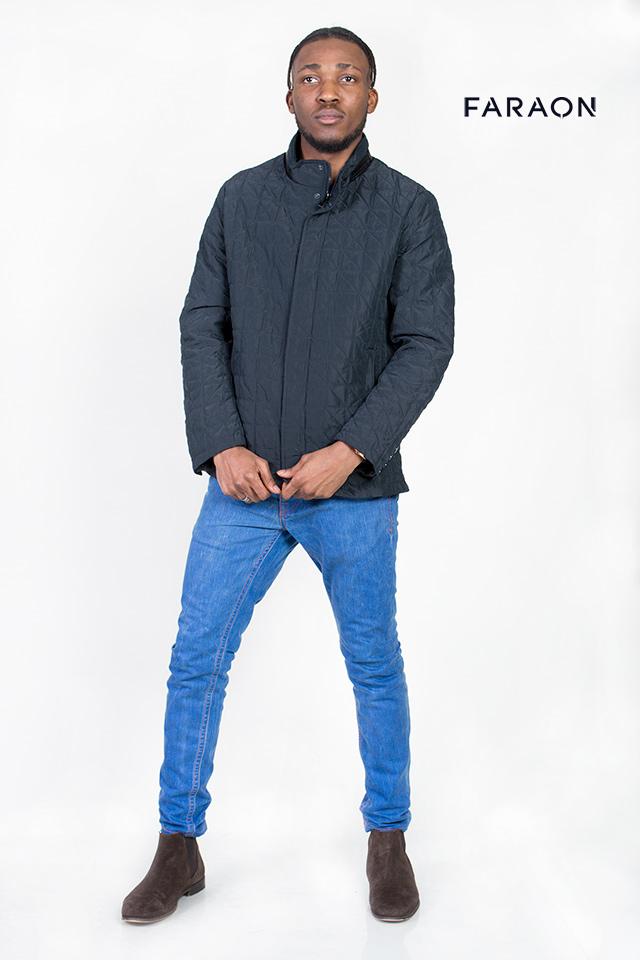 Куртка демисезонная мужская, синего цвета, воротник стройка, красивая отстрочка,короткая