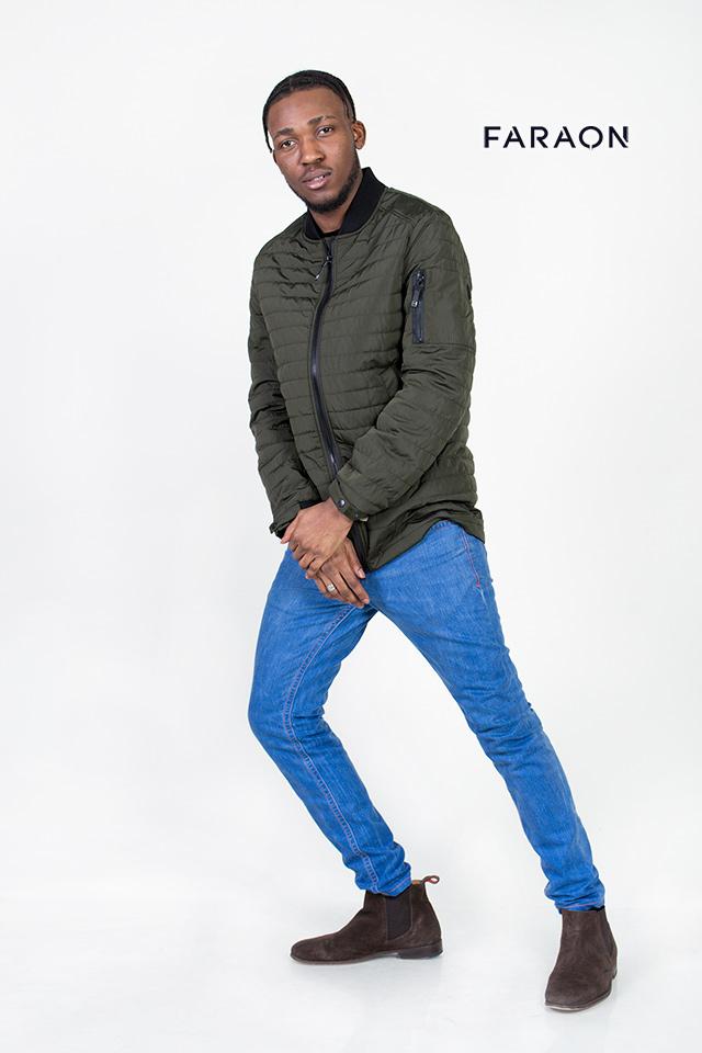 Демисезонная  мужская куртка, бомбер, воротник трикотажный, цвет хаки, молодёжная, стильная