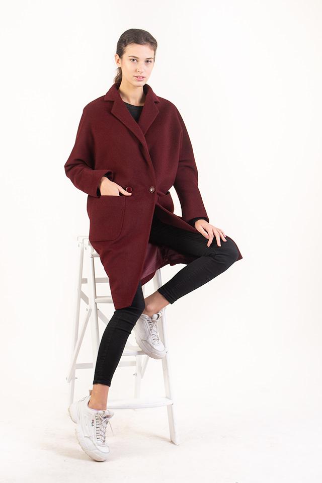 Женское демисезонное пальто кроя оверсайз, шерстяное женское пальто, пальто женское шерстяное цвета бордо с накладными карманами.