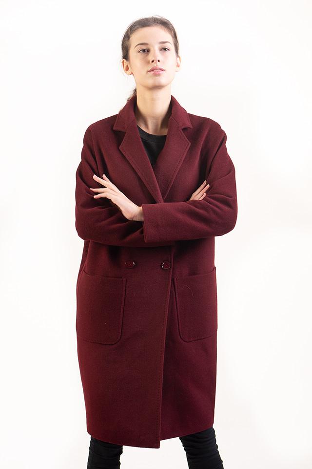 Кашемировое женское пальто карманы накладные английский воротник застраивается на пуговицы цвет бордо