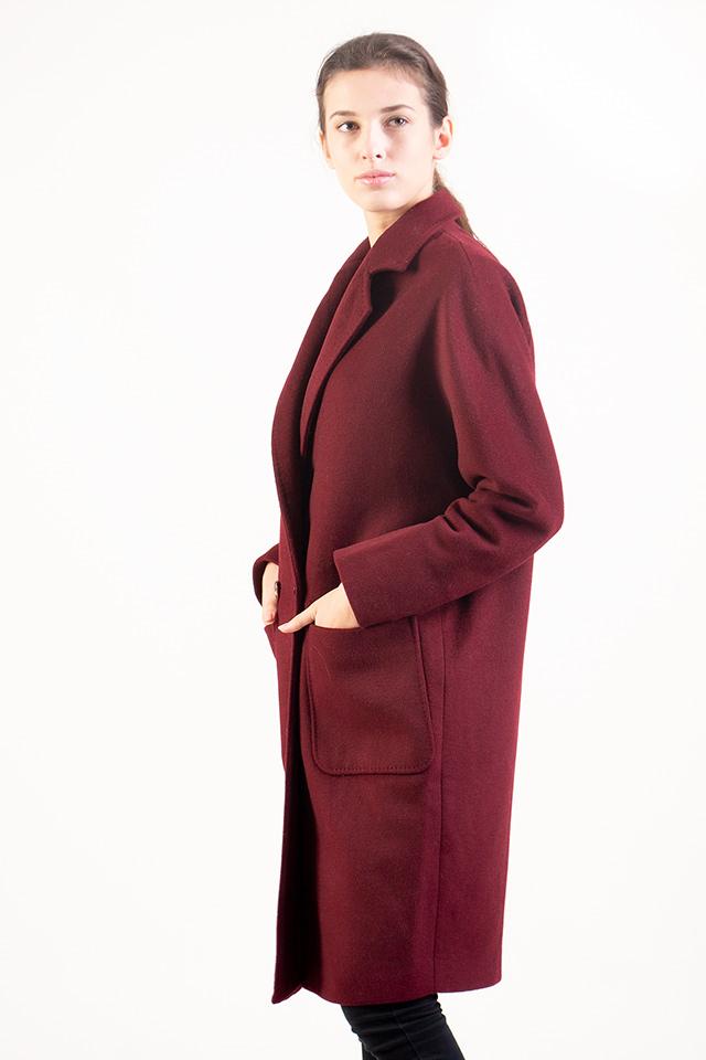 Женское демисезонное пальто. Пальто кашемировое,теплое, бордового цвета,длинна до колен.Пальто стильное,свободный крой.