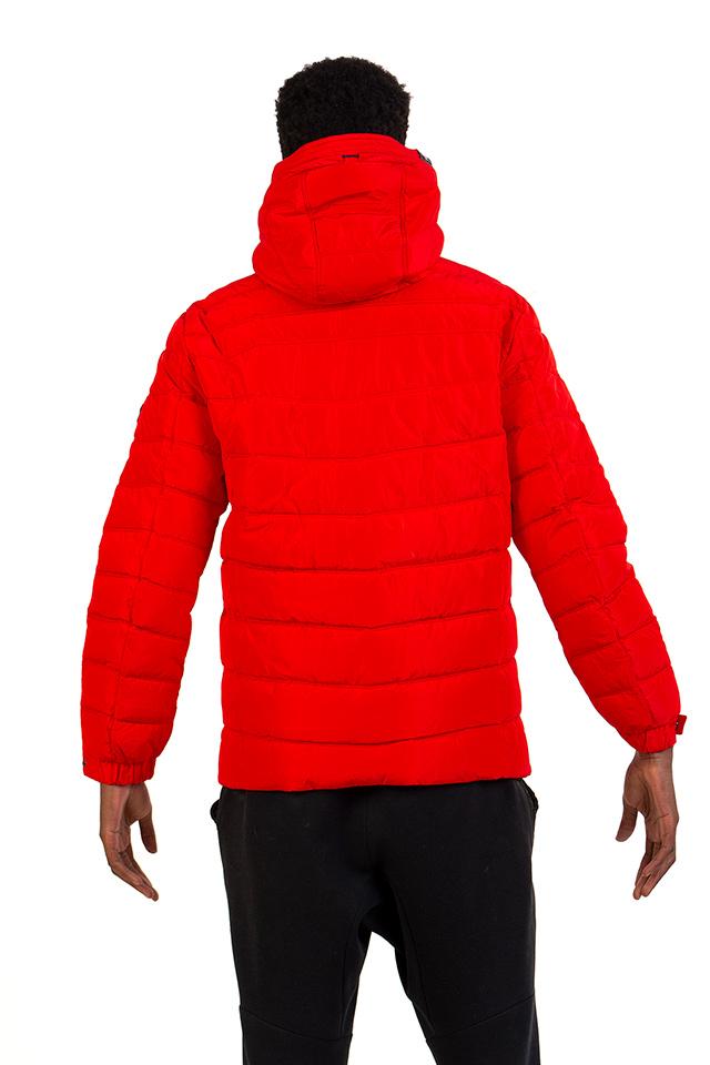 Спортивная мужская куртка красного цвета.Мужская зимняя куртка на тинсулейте с капюшоном.