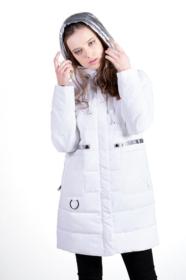 Пуховик женский белого цвета,женская куртка на биопухе с капюшоном,пуховик прямого кроя,карманы на молнии.Женское пуховое пальто средней длинны.Теплое,комфортное,стильное.